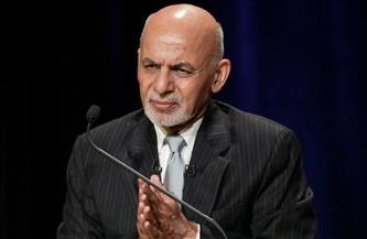 الرئيس الأفغاني يتعهد بعدم تمكين طالبان من تشكيل حكومة انتقالية