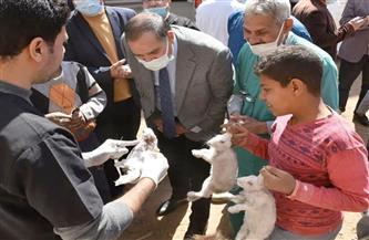 رئيس جامعة سوهاج يتفقد القافلة البيطرية الأسبوعية بقرية نيدة| صور