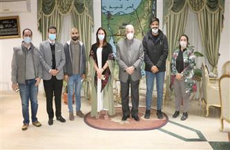 محافظ جنوب سيناء يلتقي مجموعة مدونين في مجال السياحة خلال زيارتهم شرم الشيخ | صور