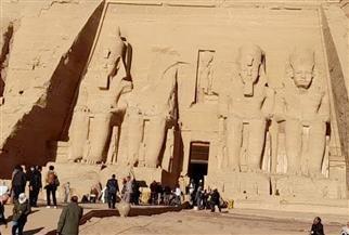 الشمس تتعامد على وجه رمسيس الثاني بمعبد قدس الأقداس بأبو سمبل
