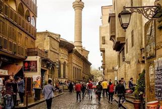 تعليم القاهرة تحتفل بذكرى افتتاح شارع المعز كأكبر متحف للآثار وتنظم زيارة لأهم مدارسه التاريخية