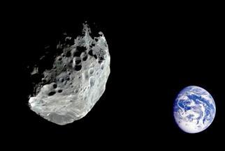كويكب صغير بحجم ملعب كرة القدم يقترب اليوم من الأرض