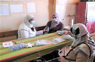 """توقيع الكشف الطبي على 2604 مواطنين في قافلة مجانية بـ""""زاوية الكرادسة"""" بالفيوم"""