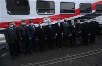 وزير النقل المصري ووزير الخارجية والتجارة المجري يستقبلان الدفعة الأولى من العربات الجديدة | صور