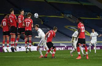 ليدز يهزم ساوثهامبتون بثلاثية في الدوري الإنجليزي