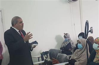 المحرصاوي يتفقد دورة أعمال الامتحانات الإلكترونية بصيدلة بنات الأزهر |صور