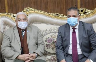 محافظ المنوفية يلتقي رئيس جامعة السادات لبحث أطر التعاون | صور