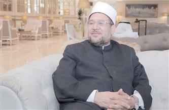 وزير الأوقاف يهنئ المفتي بثقة الرئيس بالمد له حتى سن المعاش