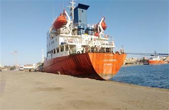 اقتصادية قناة السويس: تداول 24 سفينة حاويات وبضائع بموانئ بورسعيد