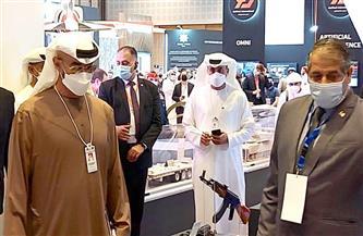 محمد بن زايد يتفقد جناح وزارة الإنتاج الحربي بمعرض «2021 IDEX» أبو ظبي | صور