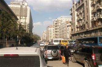 كثافات مرورية متوسطة بمعظم طرق ومحاور القاهرة | صور