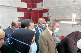 محافظ كفر الشيخ يزور المصابين في حريق شقة ببرج سكني بالمستشفي العام| صور