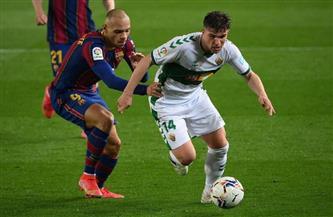التعادل السلبي يحسم الشوط الأول بين برشلونة وإلتشي