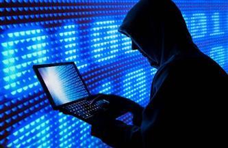 ضبط شخص اخترق حسابات بعض المواطنين على مواقع التواصل الاجتماعى وابتزازهم