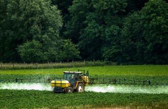 دراسة: التعرض المكثف للمبيدات يزيد خطر الإصابة بسرطان الدم النخاعي الحاد