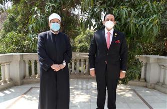 وزير الأوقاف ورئيس لجنة مكافحة الإرهاب بالبرلمان العربي يناقشان مواجهة الفكر المتطرف | صور