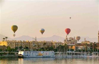 انطلاق 9 رحلات بالون طائر في سماء الأقصر