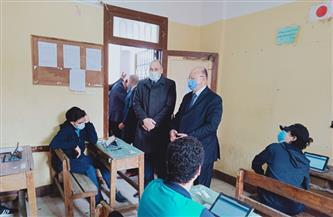 محافظ القاهرة يتفقد بدء امتحانات الصفين الأول والثاني الثانوي بنظام التابلت