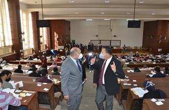 رئيس جامعة الإسكندرية يتفقد لجان الامتحانات و6 إجراءات احترازية لحماية الطلاب |صور