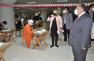 رئيس جامعة حلوان يتفقد أعمال امتحانات الفصل الدراسي الأول| صور
