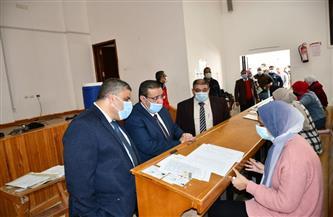رئيس جامعة قناة السويس يتابع سير امتحانات نهاية الفصل الدراسي الأول | صور