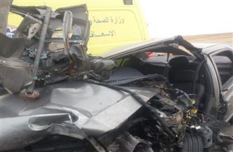 مصرع شخصين وإصابة أجنبية وأخرى مصرية في حادث تصادم بعيون موسى |صور