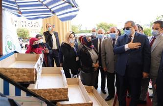 سعفان ومحافظ الإسكندرية يطلقان مبادرة «هي تعمل» للبائعات الجائلات | صور