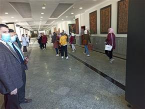 رئيس جامعة دمياط يتفقد أول أيام امتحانات الفصل الدراسي الأول |صور