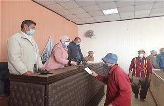 كفرالشيخ تكرم عمال نظافة دسوق تقديرًا لجهودهم | صور