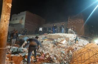انهيار منزل بمركز الفتح بأسيوط وانتشال 4 من تحت الأنقاض | صور