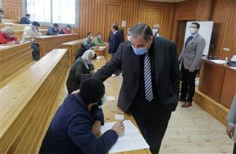 رئيس جامعة كفرالشيخ يتفقد أعمال امتحانات الترم الأول بعدد من الكليات |صور