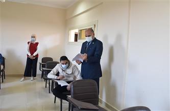 رئيس جامعة الأقصر يتفقد سير امتحانات الفصل الدراسي الأول بكلية الألسن | صور