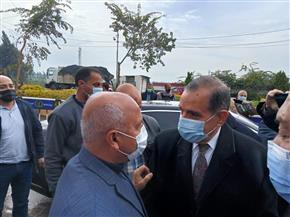 محافظ كفر الشيخ يستقبل وزير النقل لتفقد طريق دسوق المزدوج بتكلفة مليار جنيه | صور