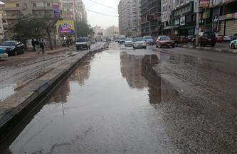 سيارات الكسح تواصل شفط مياه الأمطار بالفيوم