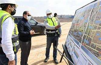 الرئيس السيسي يتفقد مشروع مركز النقل المتكامل ومشروعات طرق شرق القاهرة |صور