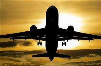 متسلل ينجح في الصعود إلى طائرة رسمية في قاعدة جوية أمريكية