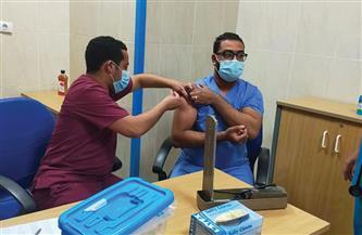 محافظ أسيوط: جرعة أولى بلقاح كورونا للأطقم الطبية بعزل أبوتيج والصدر والحميات | صور