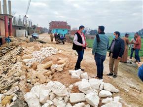 رئيس «أشمون» يتفقد أعمال رصف طريق جسر النيل فرع رشيد بالمنوفية | صور