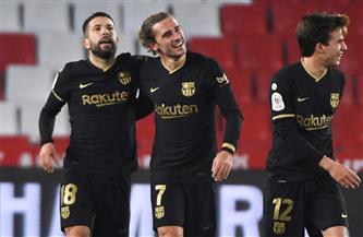 ثلاثي هجومي في التشكيل المتوقع لبرشلونة أمام ريال بيتيس
