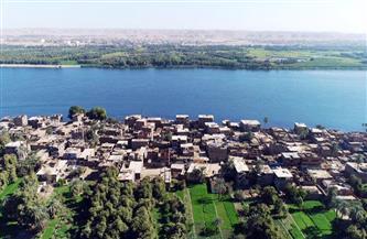 محافظ أسوان يشكل لجنة لمتابعة تنفيذ مشروعات التطوير الشامل لـ 68 قرية | صور