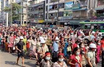 أول ضحية للقمع العسكري في بورما والضغوط تتصاعد دوليًا