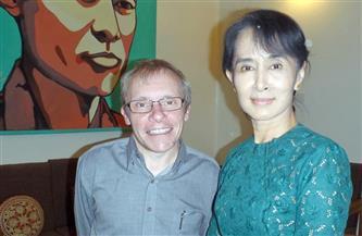 أستراليا تطالب ميانمار بالإفراج الفوري عن مستشار الحكومة شون تورنيل