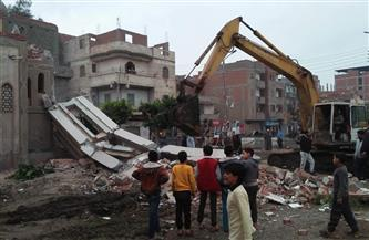 غلق مسجد التقوى بأجا وإزالة فورية لمئذنته بعد اكتشاف ميل بها |صور