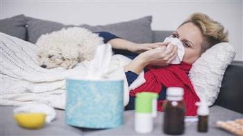 طرق التمييز بين أعراض كورونا والإنفلونزا العادية| فيديو