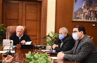 محافظ بورسعيد يستعرض الخطة الاستثمارية للعام المالي الجديد بتكلفة 18.3 مليار جنيه| صور