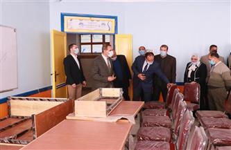 محافظ كفر الشيخ  يتفقد المدرسة الدولية الحكومية للغات | صور