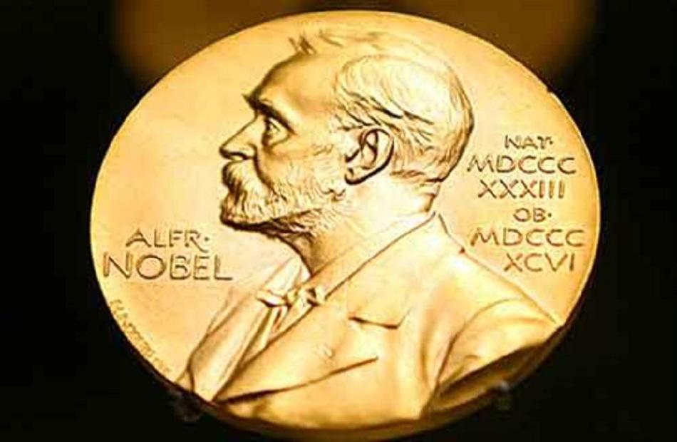 الفائزون بجائزة نوبل يتسلمون الجوائز في بلدانهم بسبب كورونا