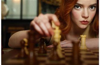 """""""أنيا تايلور"""" تتوج بجائزة جولدن جلوب لأفضل ممثلة تليفزيونية عن """"مناورة الملكة"""""""