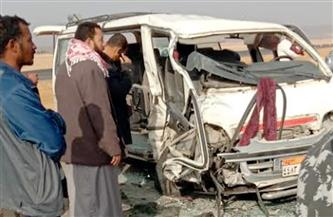 إصابة 11 مواطنا في تصادم ميكروباص ونقل محملة بأسماك بطريق (السويس- الإسماعيلية) | صور