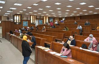 رئيس جامعة القاهرة: قاعات الامتحانات مهيأة بكل الإجراءات الوقائية للطلاب | صور